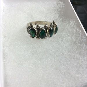 Jewelry - Faux Emerald Green Ring Size 6